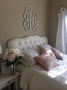 Really wanna put a monogram above my bed like this