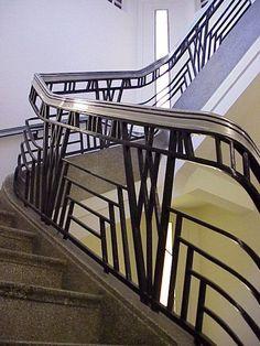 Art Deco Balustrade, Hoover Building, London, England by Wallis, Gilbert… Art Deco Decor, Art Deco Home, Art Deco Design, Art Nouveau, Art Deco Period, Art Deco Era, Stair Art, Stair Railing, Railings
