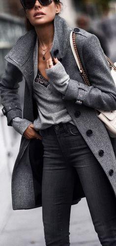 2019 Winter fashion trendsDiscover the winter fashion trends of the season of the season - Mode - Winter Mode Fashion Mode, Look Fashion, Trendy Fashion, Womens Fashion, Trendy Style, Ladies Fashion, Classy Fashion, Jeans Fashion, Fashion Brands