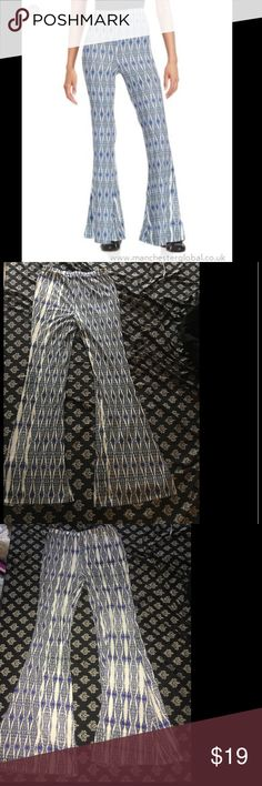 Blue/White Buffalo Bell Bottoms Sky blue and white Buffalo David Bitton Bell Bottoms. Super comfortable and stretchy pants. Worn once. Buffalo David Bitton Pants Boot Cut & Flare