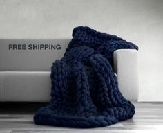 FREE SHIPPING! New version of Ohhio's Grande Punto blankets. Chunky blanket. Giant knit. Cozy throw. 23 microns merino wool