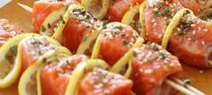 Σολωμός σε σουβλάκι Sushi, Ethnic Recipes, Food, Essen, Meals, Yemek, Eten, Sushi Rolls