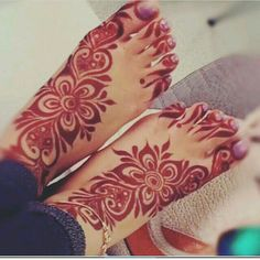 50 Colourful Henna And Mehndi Designs You Must Try New Bridal Mehndi Designs, Engagement Mehndi Designs, Khafif Mehndi Design, Henna Art Designs, Unique Mehndi Designs, Mehndi Designs For Fingers, Beautiful Mehndi Design, Mehndi Designs For Hands, Mehandi Designs