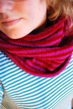 red and pink cowl / maria carlander