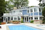 Cottage Home builds well-appointed beach houses and cottages on the shores of Lake Michigan.