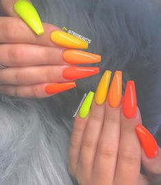 How to choose your fake nails? - My Nails Rainbow Nails, Neon Nails, Yellow Nails, Dope Nails, My Nails, Bright Orange Nails, Neon Nail Colors, Bright Acrylic Nails, Matte Nails