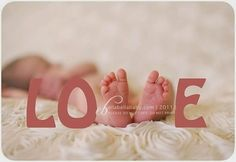 "Baby feet as the ""v"" in Love (photography) Newborn Pictures, Baby Pictures, Cute Pictures, Newborn Pics, Baby Newborn, Newborn Care, Love Photography, Children Photography, Newborn Photography"