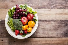 Nutrition How To Eat Healthy Healthy Foods To Eat, Healthy Dinner Recipes, Diet Recipes, Healthiest Foods, Organic Fruit, Eating Organic, Healthy Lifestyle Habits, Nutrition Guide, Food Nutrition