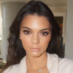 The Make-Up Artist Tricks You've NEVER Heard Before Beauty Make-up, Hair Beauty, Beauty Tips, Beauty Desk, Beauty Products, Fashion Beauty, Ariel Makeup, Beauty Hacks For Teens, Make Up Braut