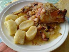 Králík na cibuli se slaninou recept - Labužník.cz Czech Recipes, Ham, French Toast, Oatmeal, Food And Drink, Chicken, Cooking, Breakfast, Czech Food
