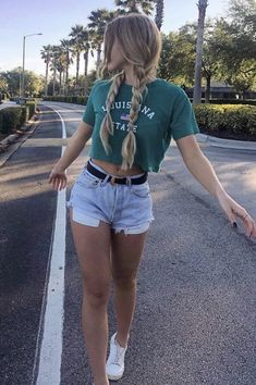 Cute outfits for teens summer fashion outfits 2019 Late Summer Outfits, Simple Summer Outfits, Cute Casual Outfits, Tumblr Summer Outfits, Outfit Summer, Summer Shorts, Teen Summer Clothes, Outfits For Girls, Casual Summer Outfits Shorts