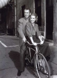James Stewart & Grace Kelly | More Grace Kelly lusciousness here: http://mylusciouslife.com/photo-galleries/entertainment-books-movies-tv-music-arts-and-culture/