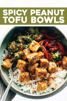 These Spicy Peanut Tofu Bowls are a meal prep / weeknight dinner life-saver! - These Spicy Peanut Tofu Bowls are a meal prep / weeknight dinner life-saver! Crispy tofu roasted ve - Vegetarian Recipes, Cooking Recipes, Healthy Recipes, Vegetarian Barbecue, Vegetarian Cooking, Barbecue Recipes, Vegetarian Sweets, Cooking Tofu, Vegetarian Sandwiches