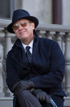 Raymond Reddington in The Blacklist S02E10
