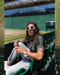 SPOTTED: Héctor Bellerín Goes Casual Yet Stylish for Wimbledon – PAUSE Online   Men's Fashion, Street Style, Fashion News & Streetwear Wimbledon, Paris Saint Germain Fc, Arsenal Fc, Sport Man, Lionel Messi, Green Stripes, Editorial Fashion, Sexy Men, Football Art