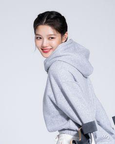 Kim Joo Jung, Korean Actresses, Korean Girl, Turtle Neck, Beauty, Style, Artists, Girls, Fashion