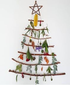 A little reggio inspired Holiday magic! I love that nature was used as the ornament. Crafts For 3 Year Olds, Holiday Crafts For Kids, Preschool Christmas, Toddler Christmas, Christmas Activities, Christmas Decorations To Make, Christmas Crafts, Christmas Ideas, Christmas Tree