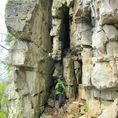 Hiking The Bruce Trail: Limehouse, Devil's Pulpit and Rattlesnake Point - Mint Notion Ontario Travel, Visit Canada, Great Lakes, Weekend Trips, Natural Wonders, Hiking Trails, Toronto, Canoeing, Places To Go
