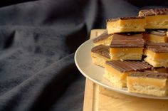 I'd Much Rather Bake Than...: Millionaire's Shortbread or Chocolate Topped Caramel Shortbread Bars