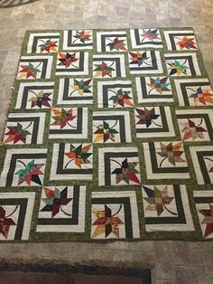 Bester Fall Quilting Patterns Maple Leaves 49 + Ideen Best Fall Quilting Patterns Maple Leaves I Star Quilt Blocks, Star Quilt Patterns, Star Quilts, Scrappy Quilts, Tree Quilt Pattern, Amish Quilts, Patchwork Patterns, Colchas Quilting, Machine Quilting