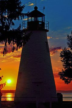 Star-Spangled Trail: Concord Point Lighthouse. When the British bombarded Havre de Grace in 1813, local resident John O'Neill was abandoned by his militia and left to face the British alone. He was later honored and made keeper of the lighthouse.
