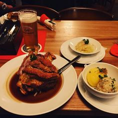#munich #bayern #haxe #schweinshaxe #germany #wiesn #goodtimes #instagood #love #abendbrot by _e_w_u_ #haxenhaus #people #food
