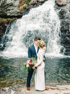 Ohhhh, these two! We've been looking forward to their intimate waterfall elopement for months, and it was seriously incredible. Mallory + Will have an appreciation for the simple, genuine, meaningful things in life and adore their family. They invited their family up to a mountain house for the weekend to celebrate their marriage, spoke their…
