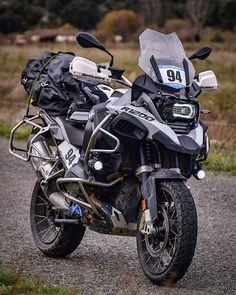 """6,093 mentions J'aime, 18 commentaires - BMW GS FANS (@bmwgsfans) sur Instagram: """"BMW R1200GS Adventure   #bluemagicadventures 🔵 - - - Follow: @killianmoreno #makelifearide #bmw…"""""""