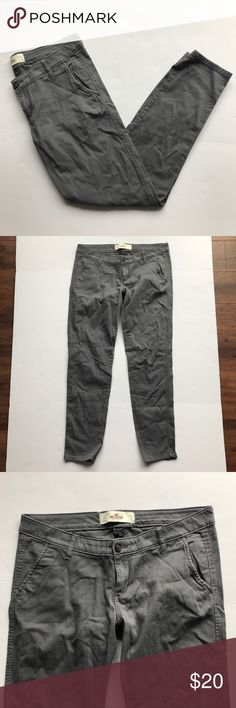 "[Hollister] Gray Khaki Skinny Pants Hollister Co. Gray Skinny Khaki Pants. Excellent Condition. No Flaws. Size 11 Regular. Waist-33"" Length-38"" Hollister Pants Skinny"