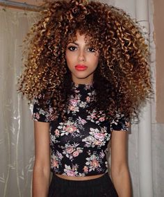 Beautiful shape and colour : Natural Hair Styles