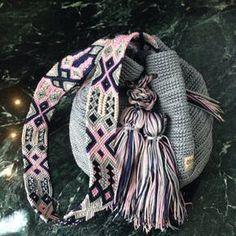 Mayan Morral Bag tassel by Otomiartesanal. Maya, Side Purses, Bag Crochet, Tapestry Crochet, Embroidery Techniques, Etsy App, Hand Knitting, Crochet Patterns, Artisan