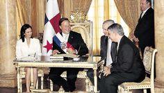 Presidente Juan C. Varela y Vicepresidenta Isabel Saint Malo, en el Salón Amarillo de la Presidencia de la República de Panamá.