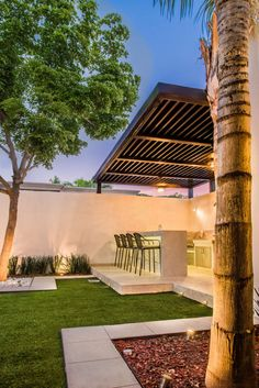 Busca imágenes de diseños de Jardines estilo moderno: Área exterior MCP. Encuentra las mejores fotos para inspirarte y y crear el hogar de tus sueños.