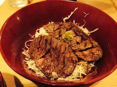福岡市中央区赤坂の ニクゼンさんのステーキ丼
