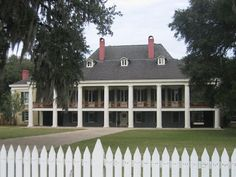 f059a638c9a8c43c8f95ffd2d77c4b8c--louisiana-homes-antebellum-homes Paintings Of Old Southern Homes Plantations And Mansions on evergreen plantation painting, plantation oil painting, plantation house painting,