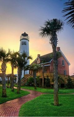 23 Most Beautiful Places to Visit in Florida George Lighthouse - St. Florida Vacation, Florida Travel, Florida Usa, Vacation Places, Kissimmee Florida, Tallahassee Florida, Honeymoon Places, Clearwater Florida, Fl Usa