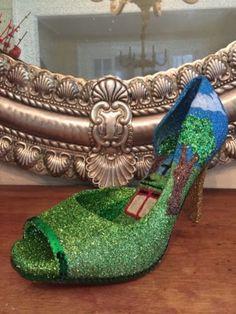 Krewe-of-Muses-glitter-Streetcar-high-heel-shoe