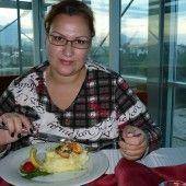 Malinová torta - rozprávková (fotorecept) - recept | Varecha.sk Sushi, Men Casual, Mens Tops, Sushi Rolls