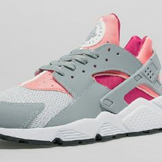 Buy Big Discount ! OFF! Nike Air Huarache Womens Grey Pink Black Friday Deals from Reliable Big Discount ! OFF!Find Quality Big Discount ! OFF! Nike A Cute Sneakers, Cute Shoes, Me Too Shoes, Sneakers Nike, Adidas Shoes, Basket Nike Air, Baskets Nike, Nike Huarache Ultra, Nike Air Max