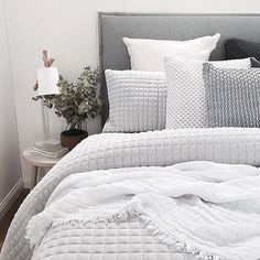 Best Bed Linen Ever – Best bed linens for your home Dream Bedroom, Home Bedroom, Modern Bedroom, Master Bedroom, Bedroom Decor, Master Suite, Grey Bedrooms, Light Bedroom, Decoration Inspiration