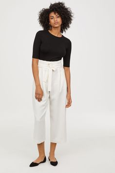 Wide, high-waisted trousers in woven fabric with a tie belt, zip fly and concealed hook-and-eye fastening. Pleats at the top, concealed pockets in the side Wide Trousers, Wide Leg Pants, Fashion 2018, Party Fashion, Work Chic, Couture, Work Wear, Cute Outfits, Beauty