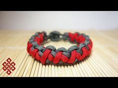 Tomahawk Sinnet Paracord Bracelet Tutorial Here's my take on TIAT's Tomahawk Sinnet weave. I learned this method from JD Lenzen of TyingItAllTogether.