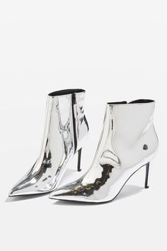 Silver | 銀 | Plata | Gin | Argento | Cеребро | Argent | Metal | Chrome | Metallic | Colour | Texture | Pattern | Style | Design | Mimosa metallic ankle boots