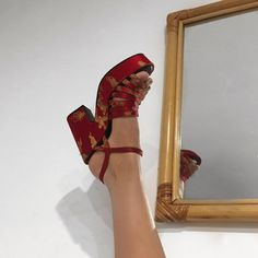 Top 33 pictures Funny Stories number 3 ca-ca-candyfloss Top 33 pictures Funny Stories number 3 # sprüchetraurig Dr Shoes, Sock Shoes, Me Too Shoes, Shoes Heels, Red Heels, Pretty Shoes, Cute Shoes, Funky Shoes, Crazy Shoes