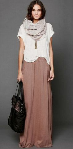 Winter fashion; maxi skirt, white tee and big scarf <3 so comfi and cute