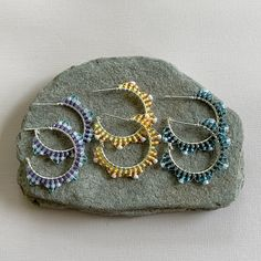 Lisa Yang's Jewelry Making Instructions and Free Projects: Sunburst Brick Stitch Beaded Hoop Earring Tutorial.