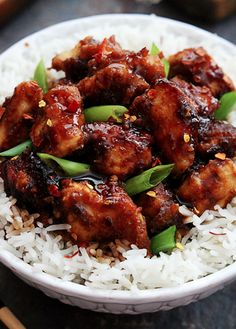 "Slow Cooker General Tso's Chicken - Creme De La Crumb See on Scoop.it - Coffee & food Junkies "" An easy slow cooker version of the family favorite General Tso's chicken and it's soooo much better than. Slow Cooker Huhn, Slow Cooker Chicken, Slow Cooker Recipes, Easy Chicken Recipes, Asian Recipes, Healthy Recipes, Easy Recipes, Low Calorie Chicken Recipes, Delicious Recipes"