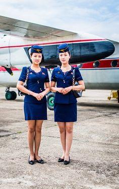 Los asistentes de vuelo de Air Koryo, la aerolínea nacional de Corea del Norte, visto en Chilbo