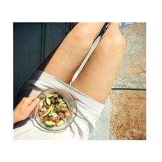 w e  w a n t  s u m m e r  #summer #vienna #lunch #healthy #veggie #vegan #glutenfree #fitness #view #legs #pins #chillin #austria #girls #instafood #zucchini #tomato #mushrooms by lauraxamelie