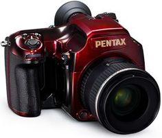 【F】漆の造形。漆塗りのカメラ。最近漆はあらゆるもの活用されてきてる気がする。